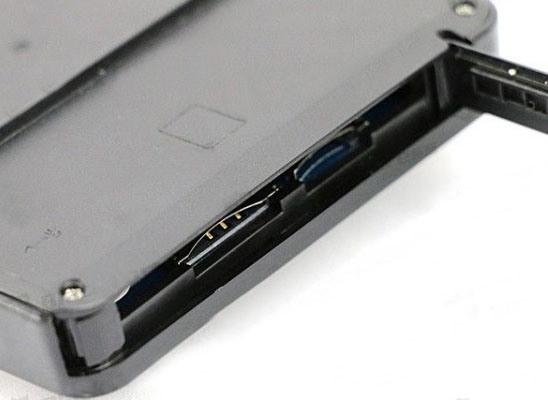 Расположение разъемов для установки карты памяти MicroSD и SIM-карты на корпусе внутреннего модуля
