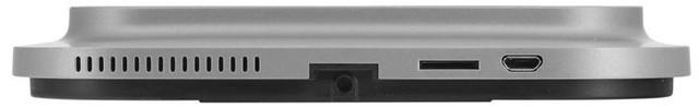 Сбоку у внутреннего блока с дисплеем располагается слот для установки карты microSD и USB-разъем для подзарядки и выгрузки медиафайлов из памяти устройства