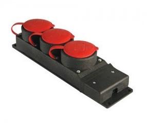 Розетка наружной установки 3-местная с заглушками 3Р+Е 3x25A 31/3 TENPO
