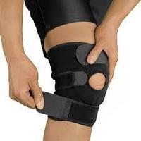 Бандаж для коленного сустава с фиксатором коленной чашечки.
