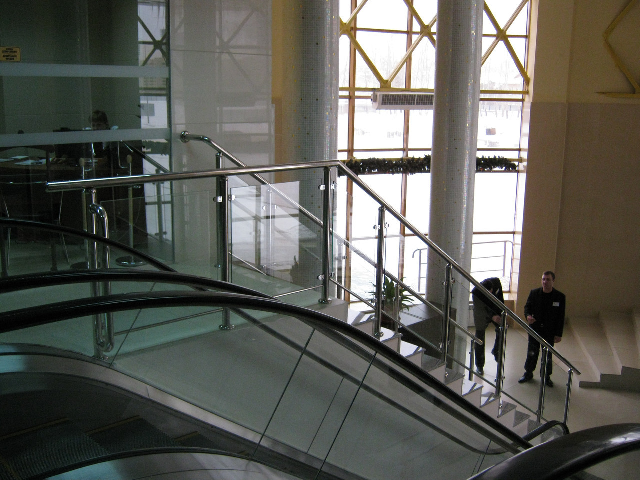 Перила из нержавеющей стали с каленым стеклом