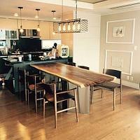 Стол на кухню, в переговорную из цельного слэба тропического дерева Суар.