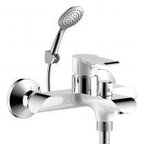 Смеситель одноручный (35мм) для ванны c кор. излив дивертор с кер.плас. хром/бел. Rossinka W35-31