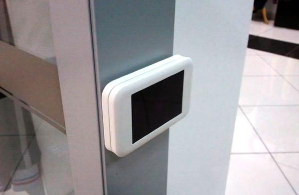 """Датчики счетчика посетителей """"MegaCount-WiFi"""" имеют современный дизайн и хорошо сочетаются с интерьерами"""