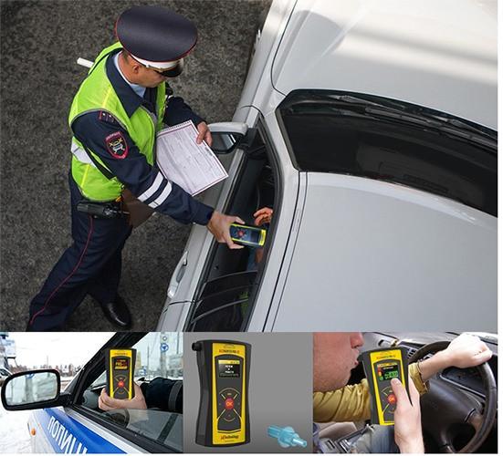 """Алкотестер """"AlcoHunter Professional X2"""" отлично подойдет в качестве рабочего инструмента для сотрудников ГИБДД при проверках на дорогах"""