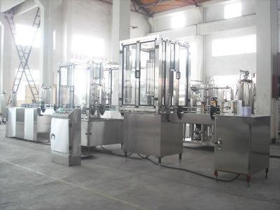 Линия для розлива, ополаскивания, заполнения, укупорки стеклянных бутылок 3000/10000 бут/час, фото 2