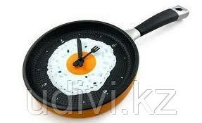Часы Сковородка с яичницей.