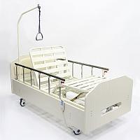 Кровать медицинская с электрическим двух функциональным конструктивом выполненная в домашнем варианте.