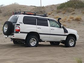 Toyota Land Cruiser 105 1