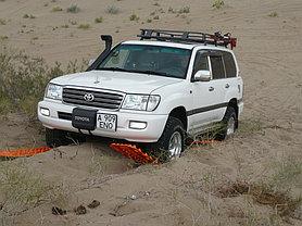 Toyota Land Cruiser 105 2