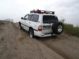 Toyota Land Cruiser 105 3
