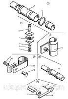 Крепление трубопроводов и подушки радиатора