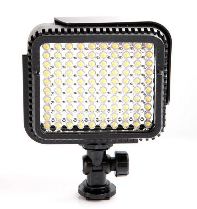 Накамерный прожектор LUX-1000 LED-100 +c аккумулятором и зарядным устройством