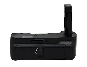 Батарейный блок на Nikon D5300 (работают от  2-х акумуляторами EN-EL14a)