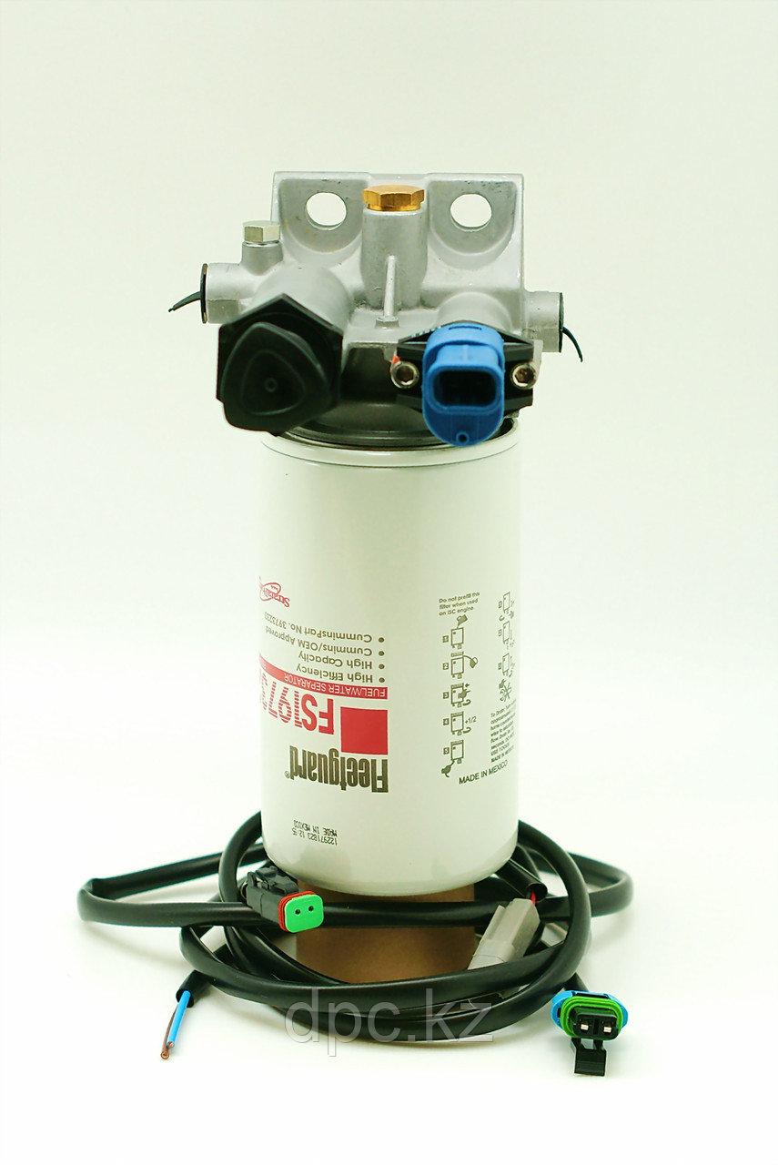 Головка топливного фильтра сепаратора FS19732 Fleetguard FH22238, FH21040