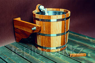 Обливное устройство банное Woodson 12 л дуб с нержавеющей вставкой