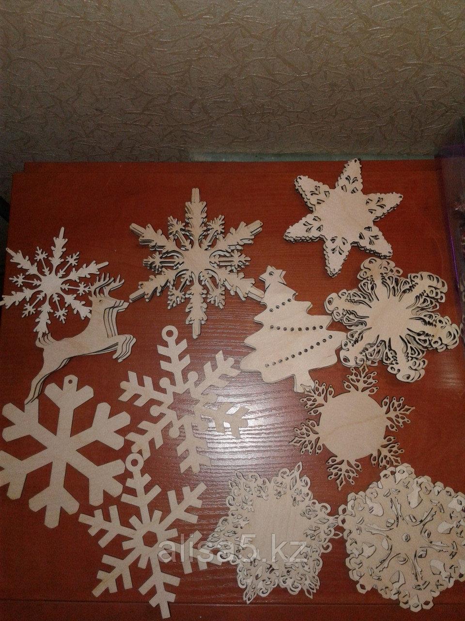 Фигурки из дерева - олени, снежинки для росписи, штука