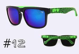 Солнцезащитные очки SPY+ Helm,черная оправа, зеленые дужки.