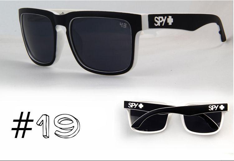 Солнцезащитные очки SPY+ Helm,черная оправа, черные дужки, белое лого.