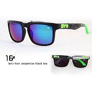 Солнцезащитные очки SPY+ Helm,черная оправа, черно зеленые дужки.