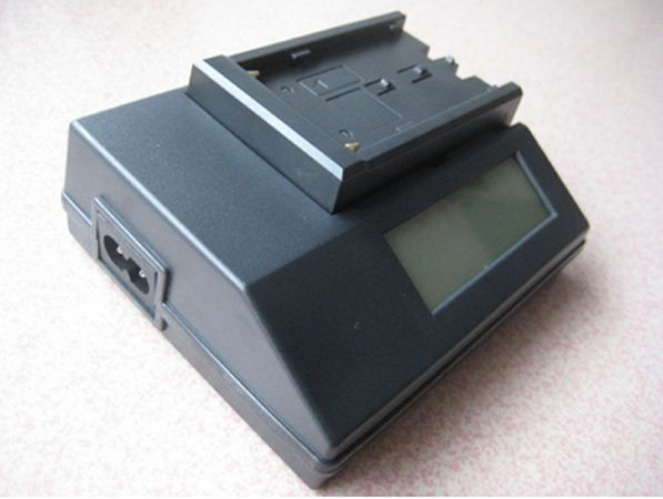 Зарядное с дисплеем для  SONY NP-F970/NP-F770/NP-F550/NP-F570 и т.д.