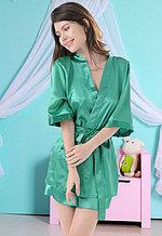 Зеленый атласный халат с пеньюаром