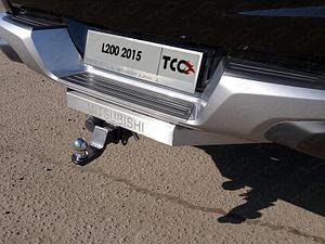 Фаркоп (надпись Mitsubishi, оцинкованный, шар E нерж.), Mitsubishi L200 2015- (с зад. бампером)