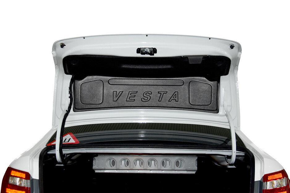 Внутренняя облицовка крышки багажника с надписью (ABS пластик) LADA VESTA 2015-