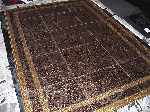 Чистка кожаных ковров