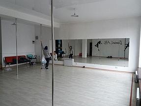 Зеркало в танцевальный зал 2