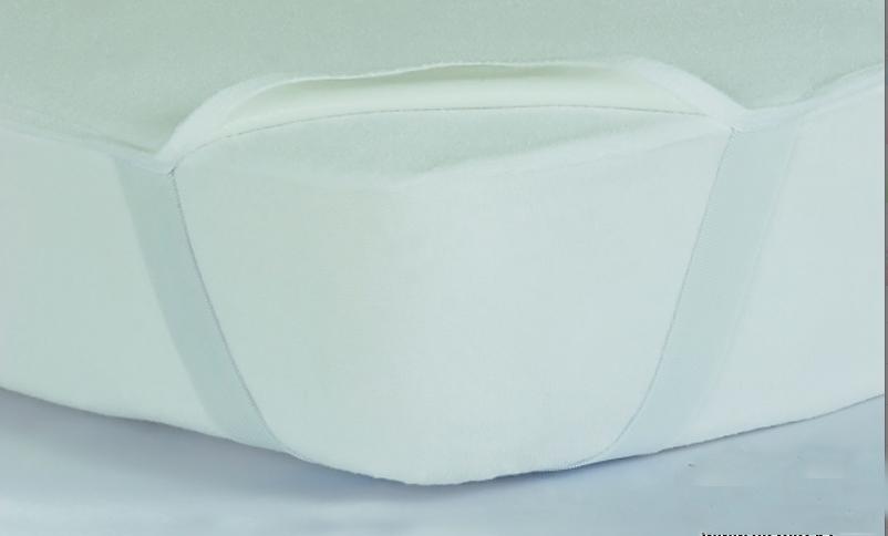 Наматрасник водонепроницаемый SUPERSUNNY с резинкой на углах