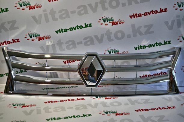 Решетка радиатора хром на Renault Duster
