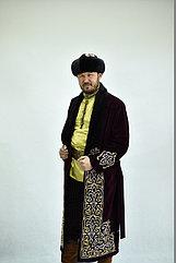 Национальный шапан с ручной вышивкой и мехом норки