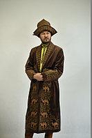 Казахский мужской шапан с национальным орнаментом