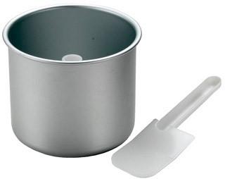 В 1.7-литровую чашу помещается до 1 кг мороженого