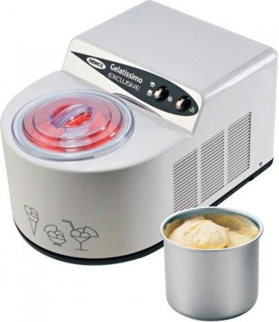 Для приготовления десерта вам не потребуется замораживать чашу отдельно — устройство сделает все самостоятельно