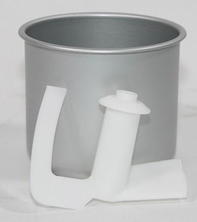 """Объем чаши, используемой в мороженице """"GELATISSIMO CLASSIC"""", составляет 1.7 л"""