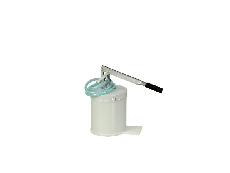 Маслонагнетатель ручной ёмкостью 8 л , производительность 0,13л. За одно нажатие, шланг 1,5м.