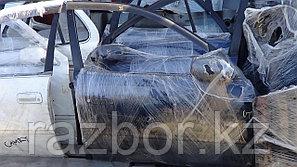 Дверь правая передняя Toyota Carina AT191