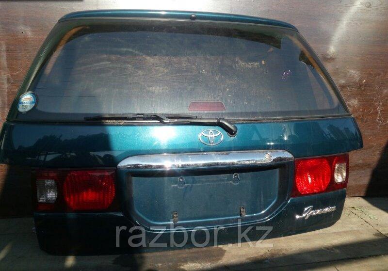 Дверь багажника Toyota Ipsum
