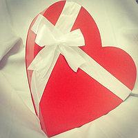 Коробки для подарков и цветов