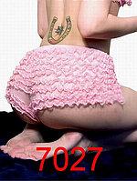 Розовые трусики-шорты декорированные рюшами