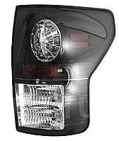 Задние фонари на Toyota Tundra 2007-