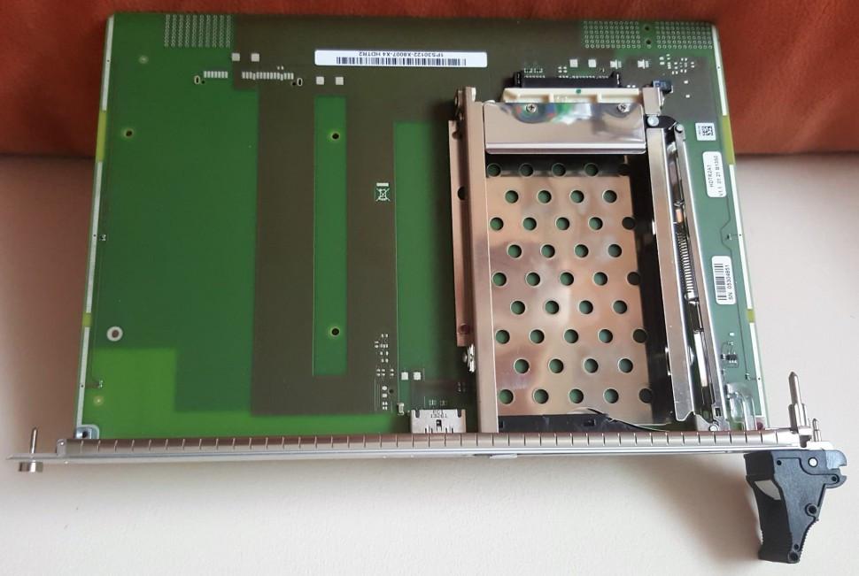 Лоток для жесткого диска HDTR2 (только для DSCXL2+)  L30220-Y600-T218