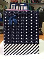 Бумажный пакет подарочный.