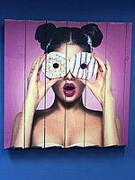 Картина «Девушка с пончиками» 60×60 см