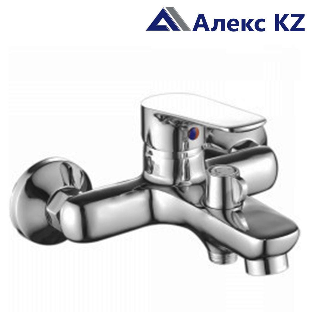 Смеситель KOLAG 1524 одноручный для ванны с коротким изливом, дивертор кнопочный