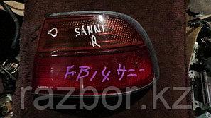 Фонарь задний правый Nissan Sunny