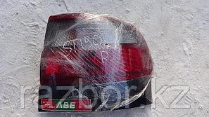 Фонарь задний правый Toyota Corona