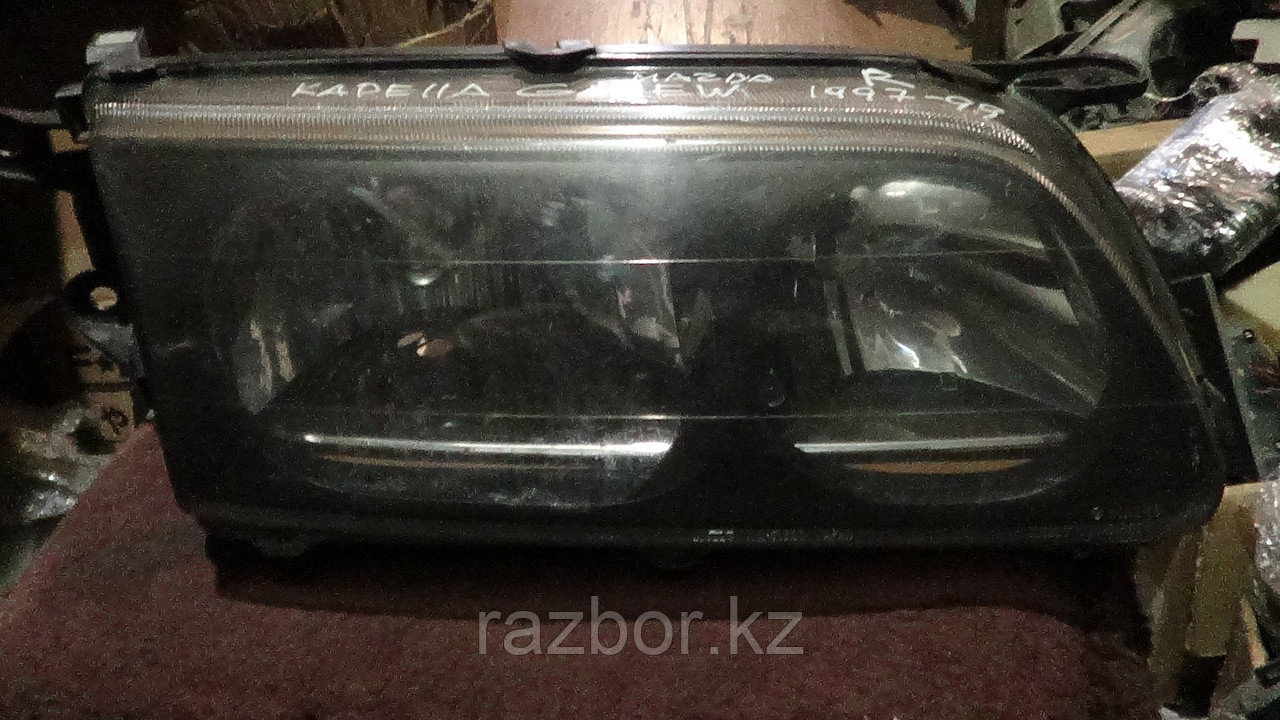Фара передняя правая Mazda Capella/626